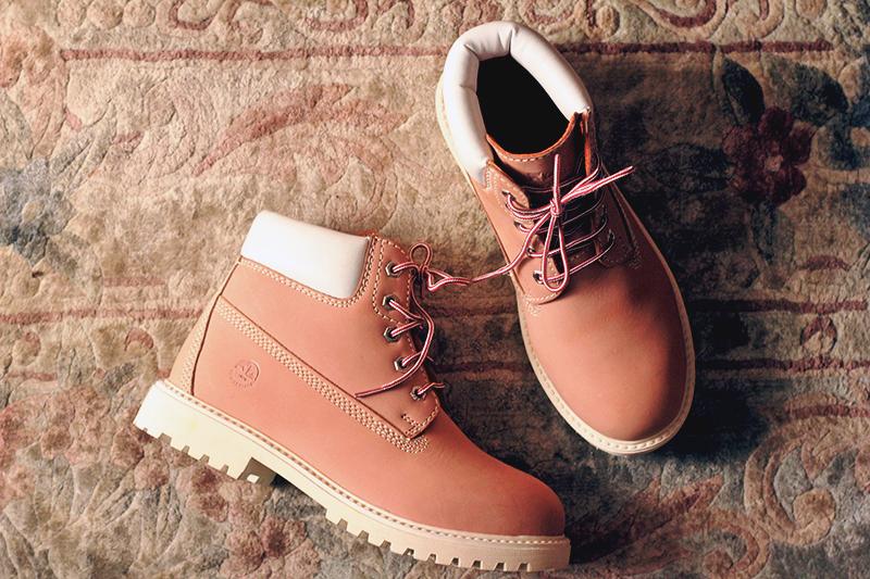 lumberjack pink boots