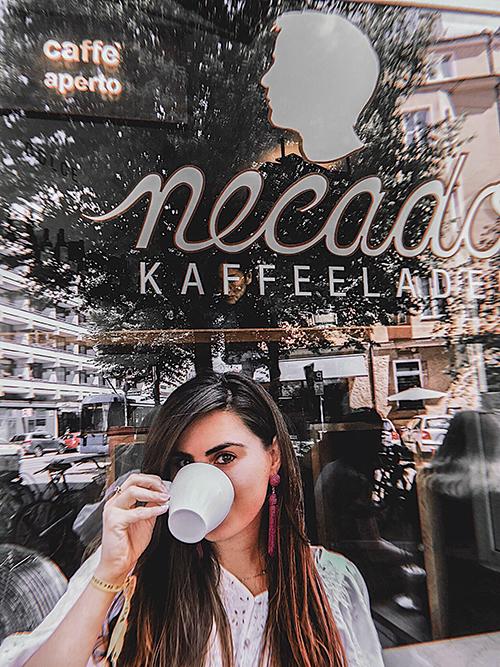 Mariana Gabellini - Café em Munique